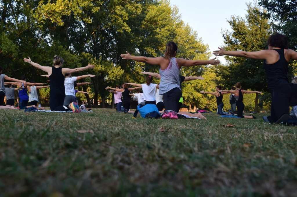 Проведение йога тренировок