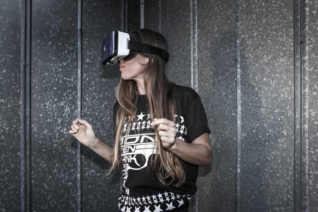 Виртуальная реальность как способ заработать