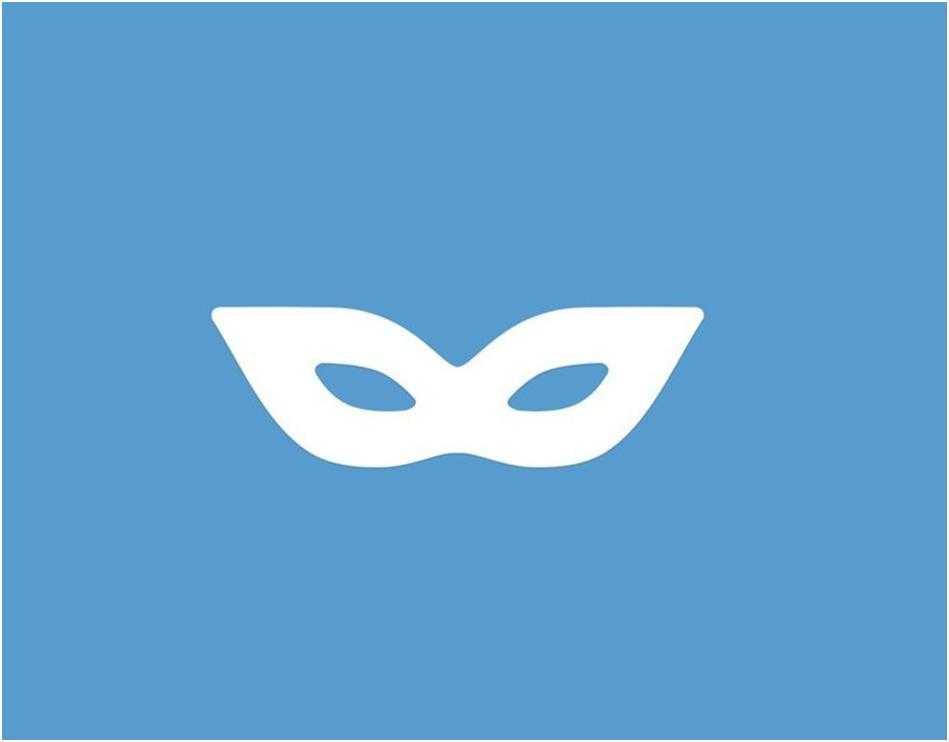 @SecretgramBot - бот для оставления анонимных комментариев.