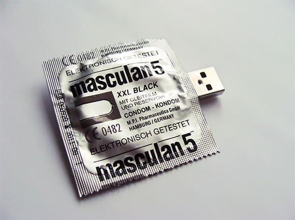 Презерватив со встроенной флешкой