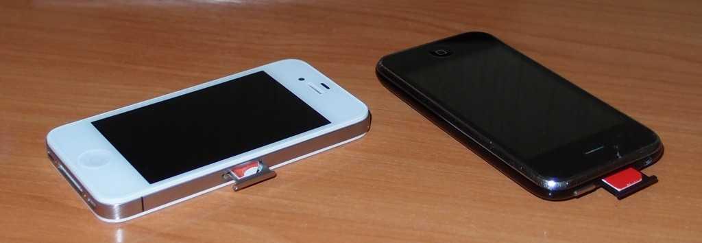 Расположение лотка для СИМ-карты в Айфонах