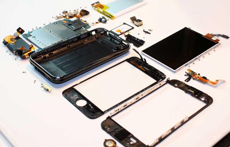 iPhone 3G в разобранном состоянии